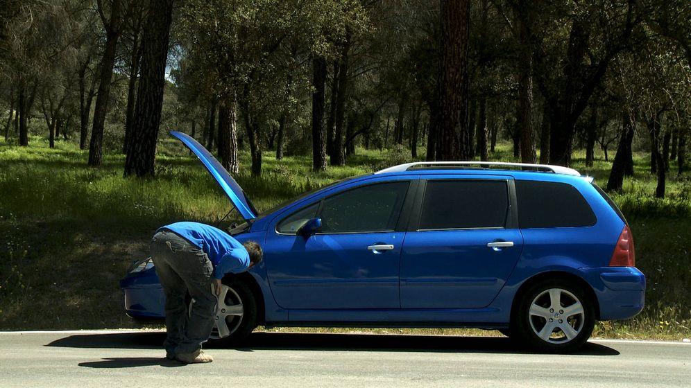 Foto: Los atropellos en las carreteras en ocasiones son al intentar reparar un vehículo.