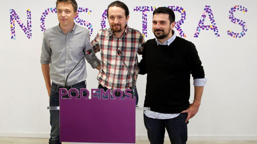 Foto: El líder de Podemos, Pablo Iglesias, en rueda de prensa junto a Íñigo Errejón y Ramón Espinar. (EFE)