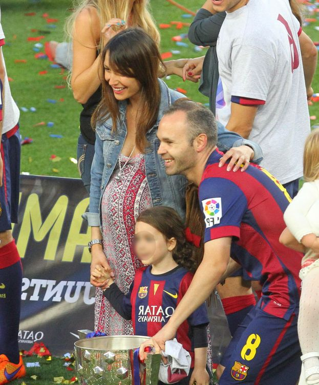 Foto: Andrés Iniesta y Anna Ortiz con su hija Valeria (Gtres)