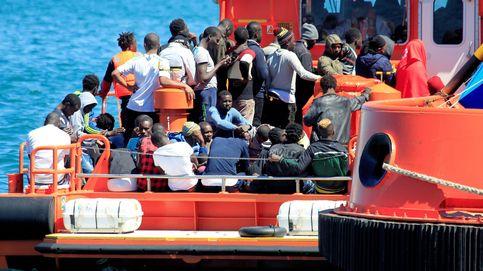 """Interior admite la """"emergencia humanitaria"""" y activa 3,4 millones para 10.500 inmigrantes"""