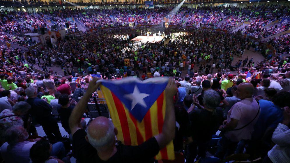 Foto: Mitin de apertura de la campaña del sí. (Reuters)