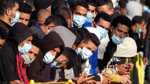 En el epicentro de la crisis migratoria: Aplauden a los que se llevan en la guagua