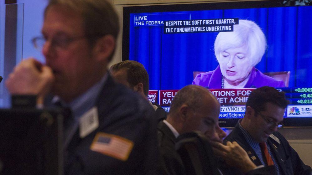 Foto: Imagen de la presidenta de la Fed, Janet Yellen, en una pantalla de Wall Street