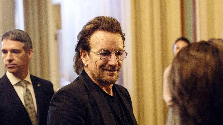 Bono (U2), de paseo por la Alhambra mientras conoce a la familia de su yerno, Diego Osorio