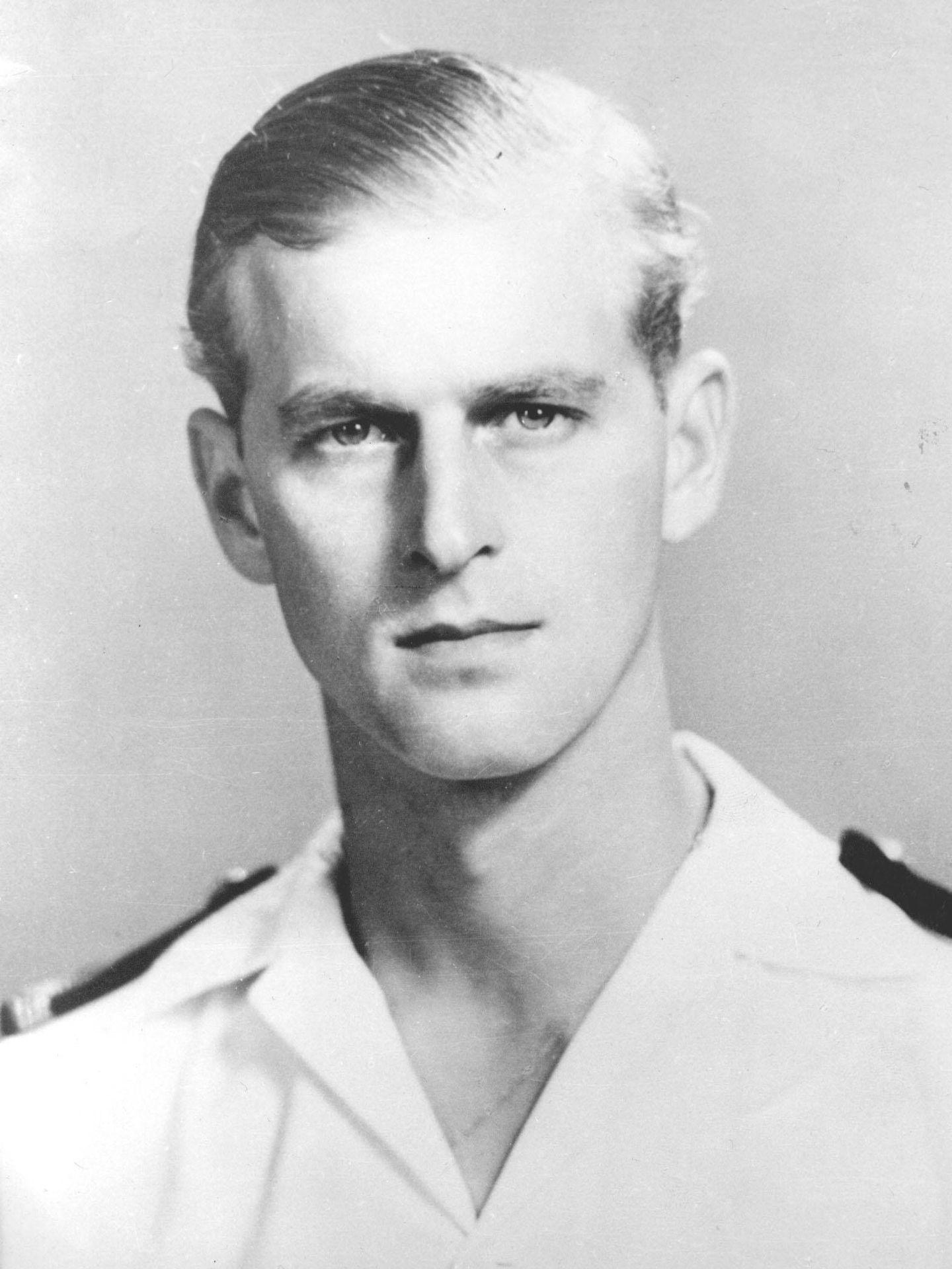 Retrato del duque de Edimburgo como comandante de la fragata Magpie en Malta. (Cordon Press)