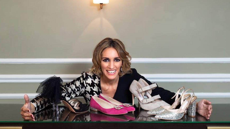 Beatriz Tajuelo con sus diseños de calzado. (Foto cedida por Nosolounaidea)