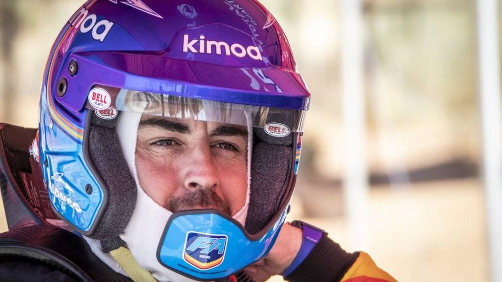 Foto: Alonso probó su primera experiencia con el Dakar. (Twitter: @Toyota_Hybrid)