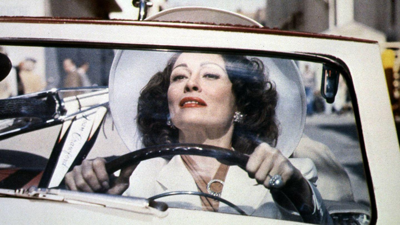 Faye Dunaway, en 'Queridísima mamá'. (CP)
