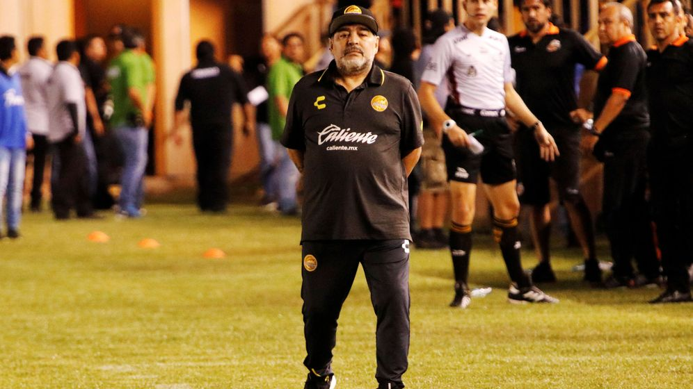 Foto: Maradona, ejercienco como entrenador del Dorados (Reuters/Jorge Luis Plata)