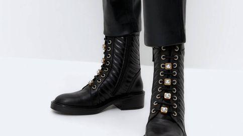 Uterqüe da un paso más y lanza unas botas militares con detalles joya