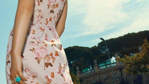 En shock ante el vestido largo con estampado de flores de Stradivarius