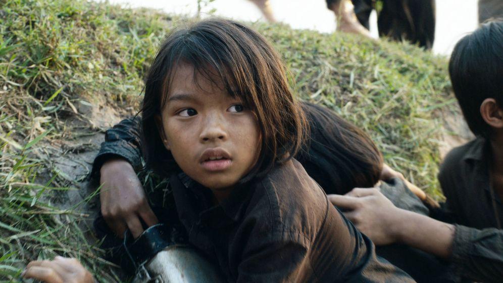Foto: Imagen de la película 'Se lo llevaron: recuerdos de una niña camboyana'. (Netflix)