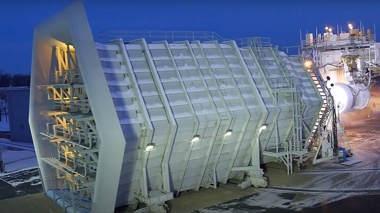 Vista del monstruoso generador de tormentas en Pebbles en Ohio (General Electric)