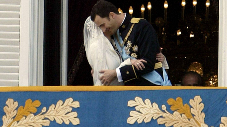 El beso de Letizia y Felipe. (Getty)