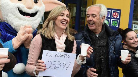 La lotera de Torrejón (Madrid) reparte el Gordo entre comida para mascotas