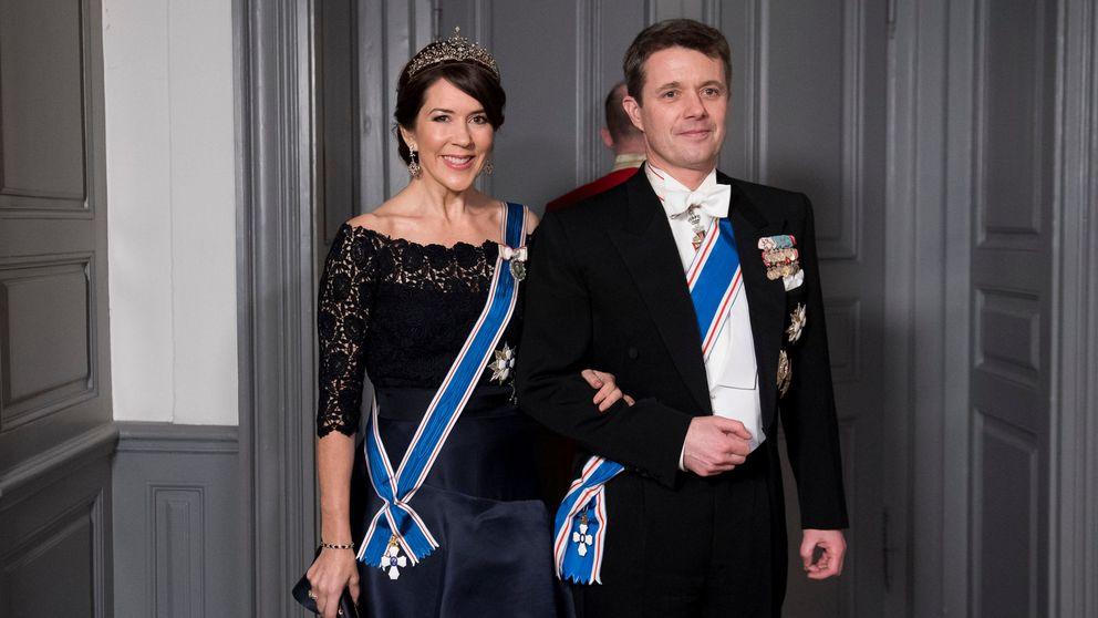 Mary de Dinamarca deslumbra en una cena de gala con su tiara de 4.000 euros