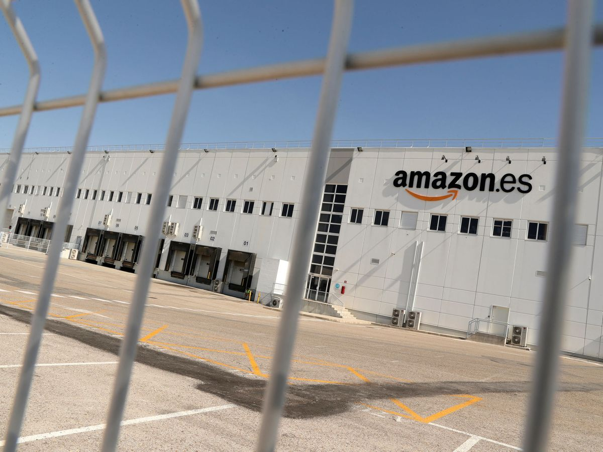 Foto: Almacén de Amazon en Madrid. (EFE)