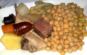 Cocido madrileño y champán, una gran comida en La Gastrotaberna
