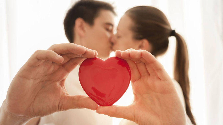 A la hora de comprar casa, ¿compensa hacerse pareja de hecho con casarse?