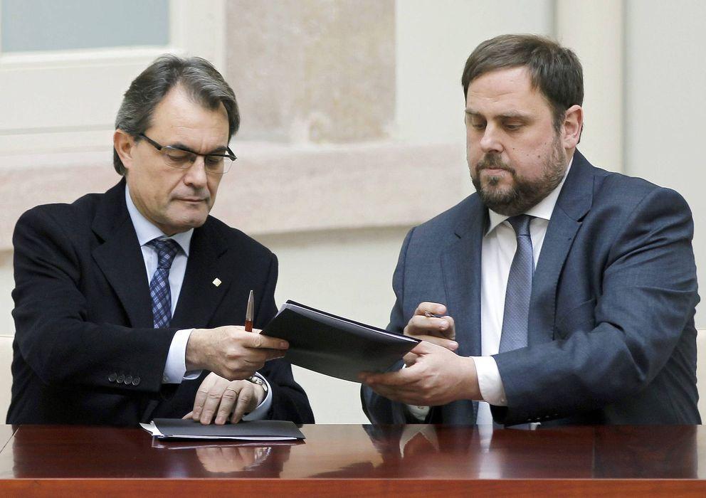 Foto: El líder de CiU, Artur Mas (i), y el presidente de ERC, Oriol Junqueras. (EFE)