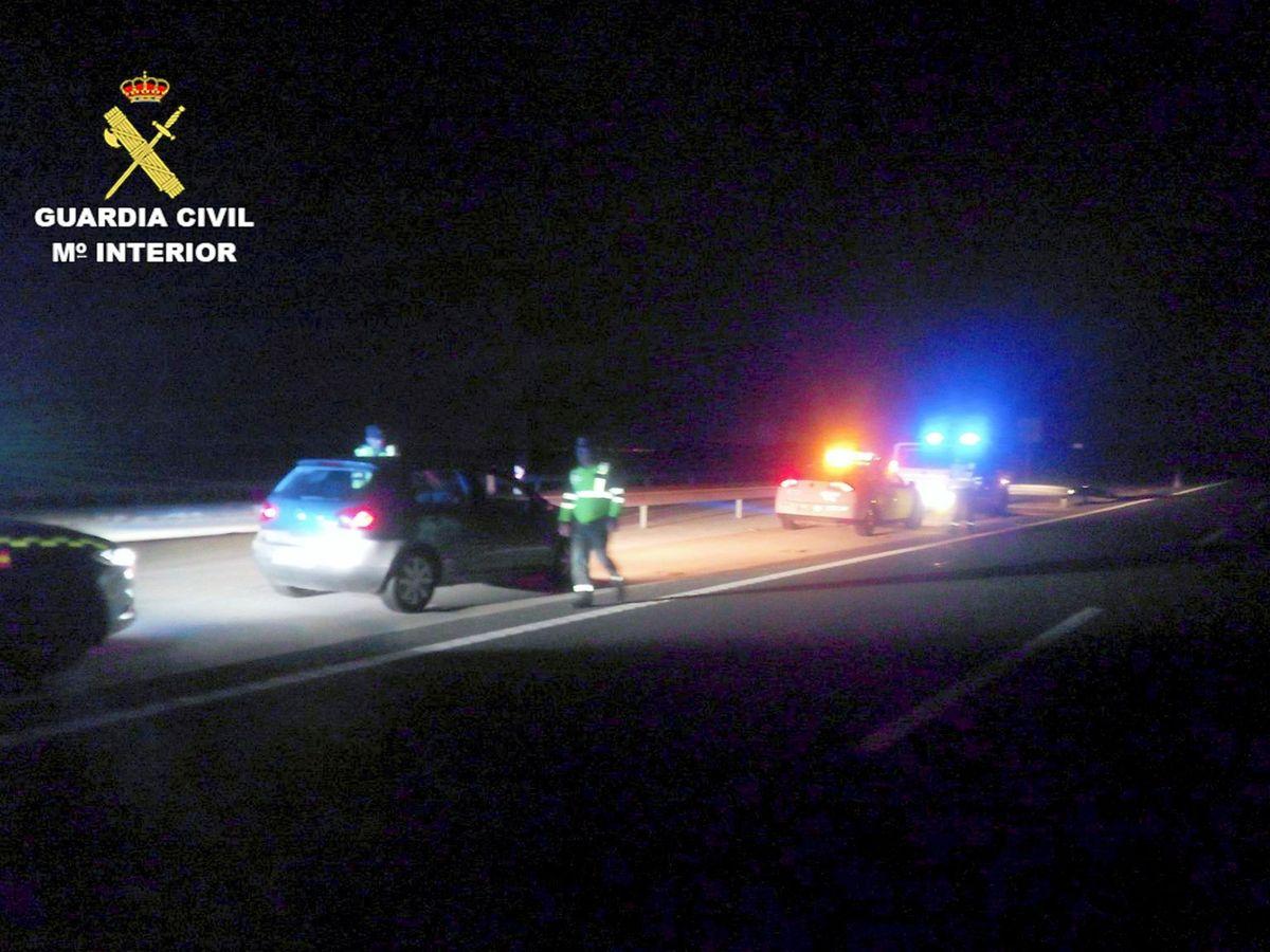 """Foto: Los agentes sufrieron """"una agresión"""" por parte del vehículo al que perseguían"""