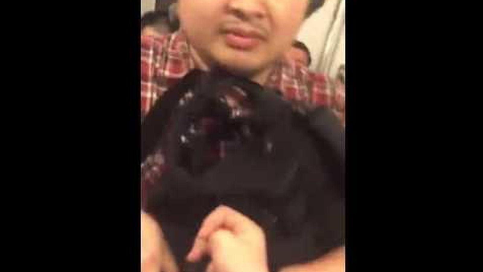 0b5d4d1ab Vídeo: Le toma una foto por debajo de la falda en el metro y la ...