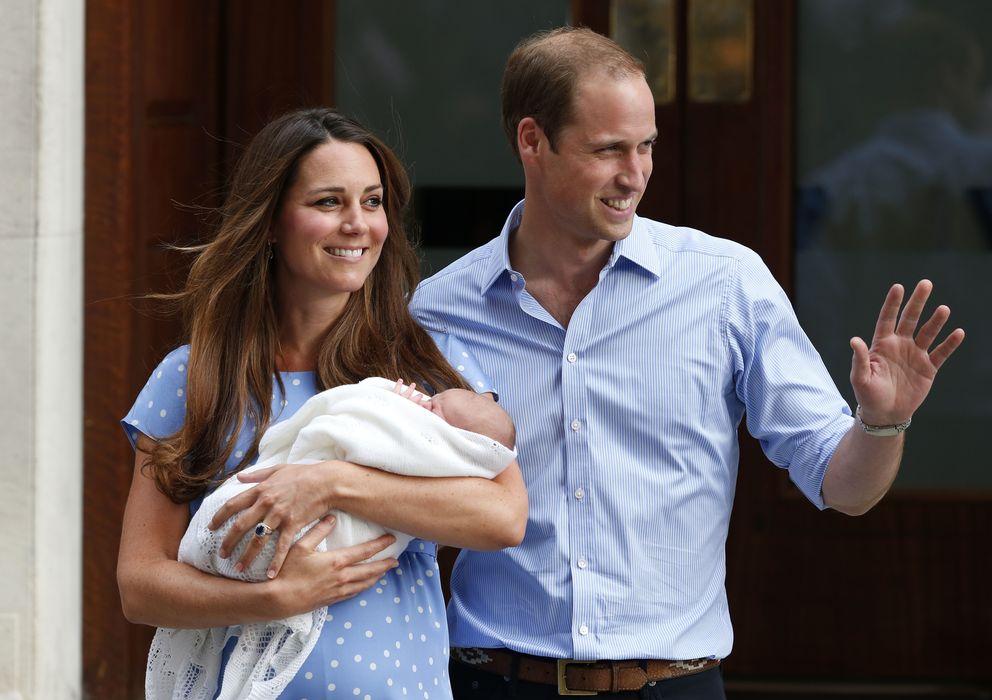 Foto: Los duques de Cambridge y su hijo Jorge. (I.C.)