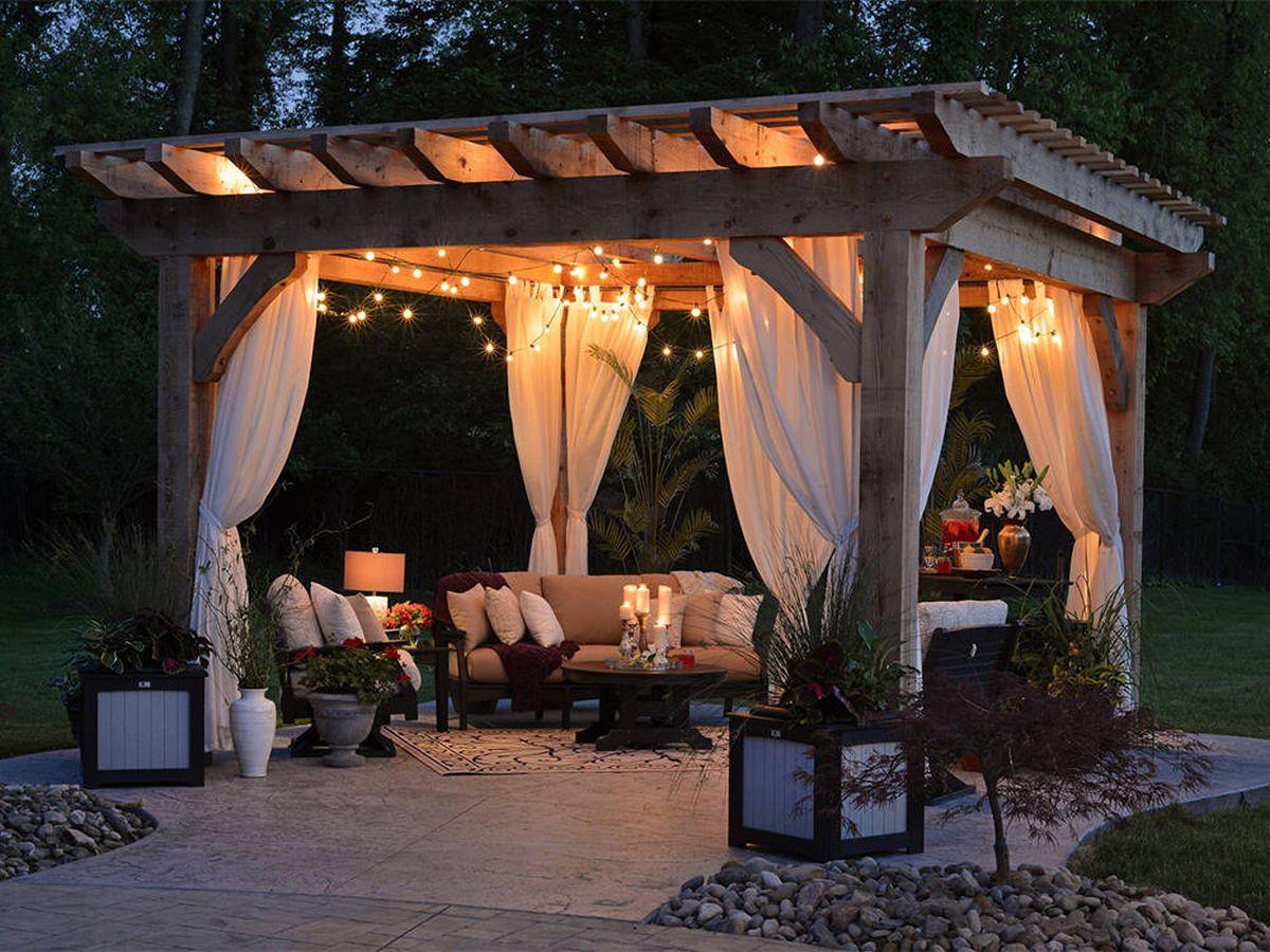 Foto: Cenadores y carpas para disfrutar del verano en tu jardín (Randy Fath para Unsplash)