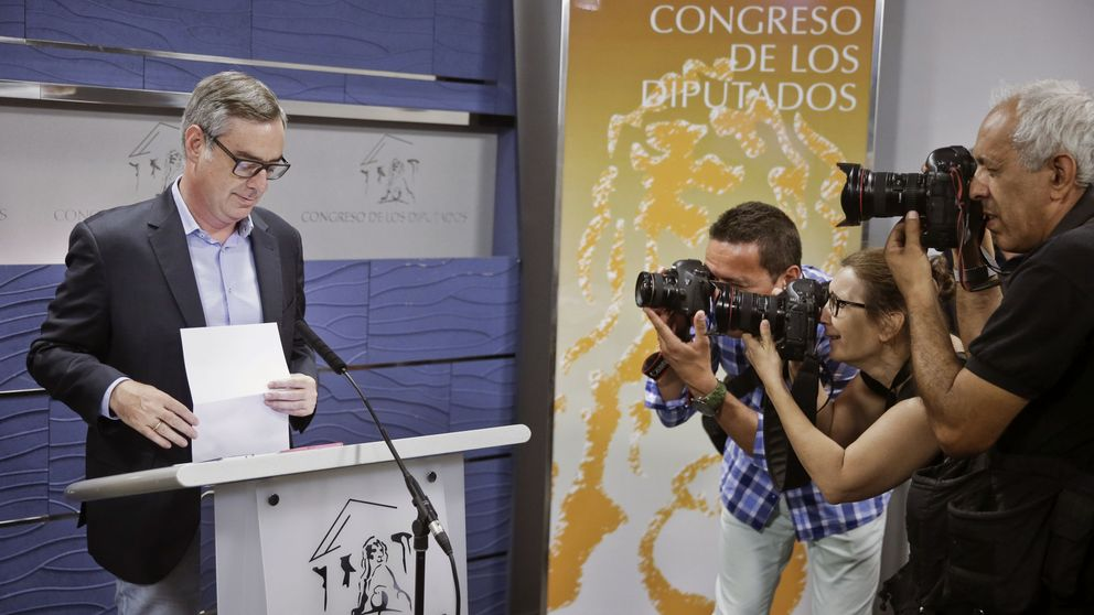 Rajoy se reúne con Rivera para sumar 32 escaños y desbloquear la investidura