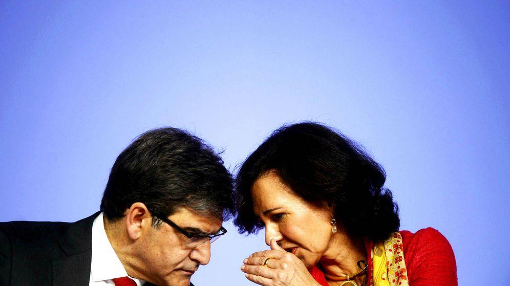 Foto: José Antonio Álvarez, consejero delegado de Santander, y Ana Botín, presidenta. (Reuters)