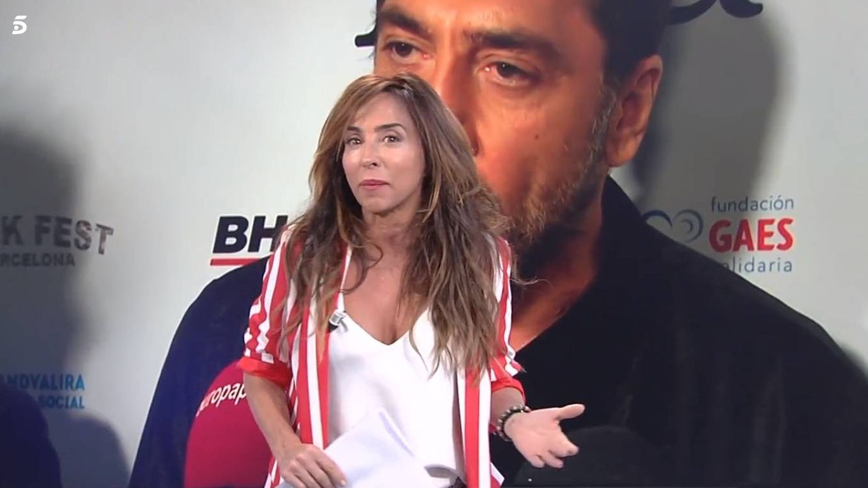 Javier Bardem le pega un corte a una reportera del programa de María Patiño