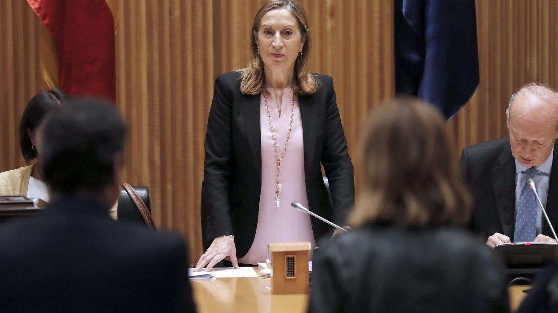 Ana Pastor, durante la constitución de la comisión de Sanidad. (EFE)