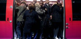 Post de 400 km de atascos en París: millones de afectados por la huelga de trenes en Francia