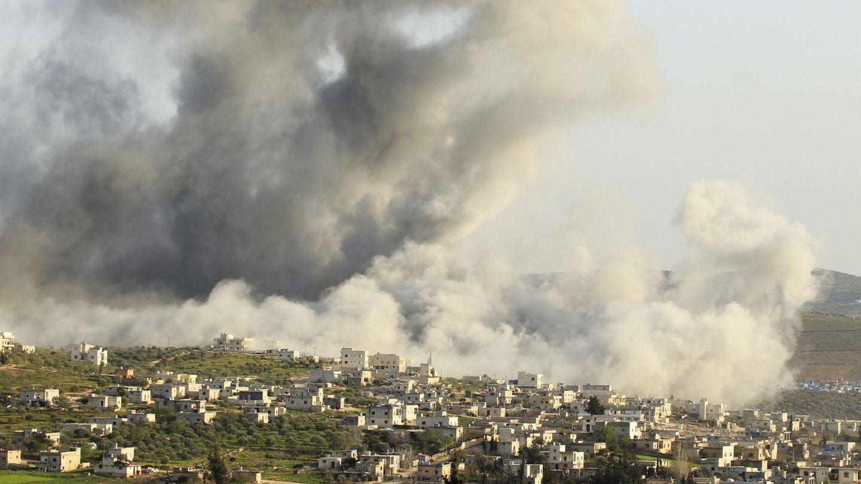 Ataque de la aviación siria contra Atimah, en la provincia de Idlib, en marzo de 2015. (Reuters)