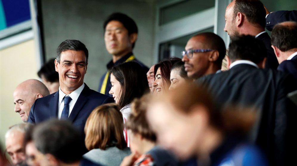 Foto:  El presidente del Gobierno, Pedro Sánchez, asiste a la final de la Copa Mundial de la FIFA 2018 de fútbol femenino sub-20. (EFE)