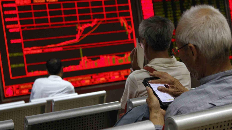 La bolsa china se hunde un 8,5% y el miedo se contagia a toda Europa