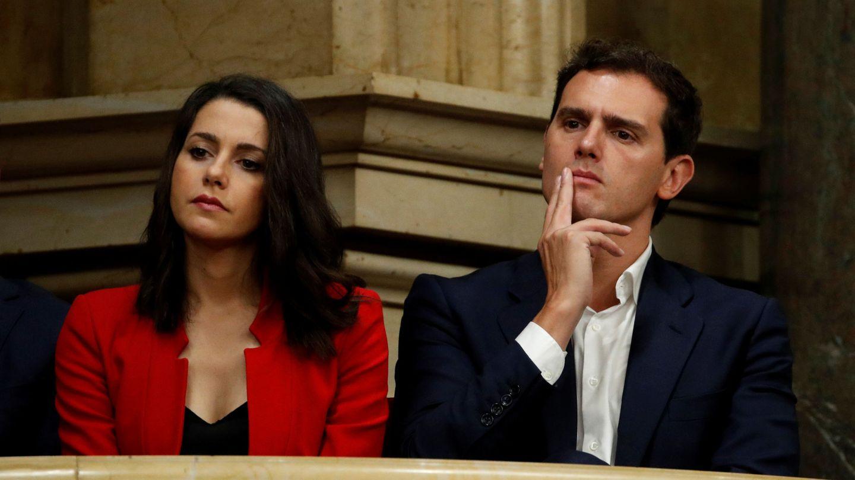 Inés Arrimadas y Albert Rivera, en la tribuna del Parlament, durante la moción de censura a Torra. (EFE)