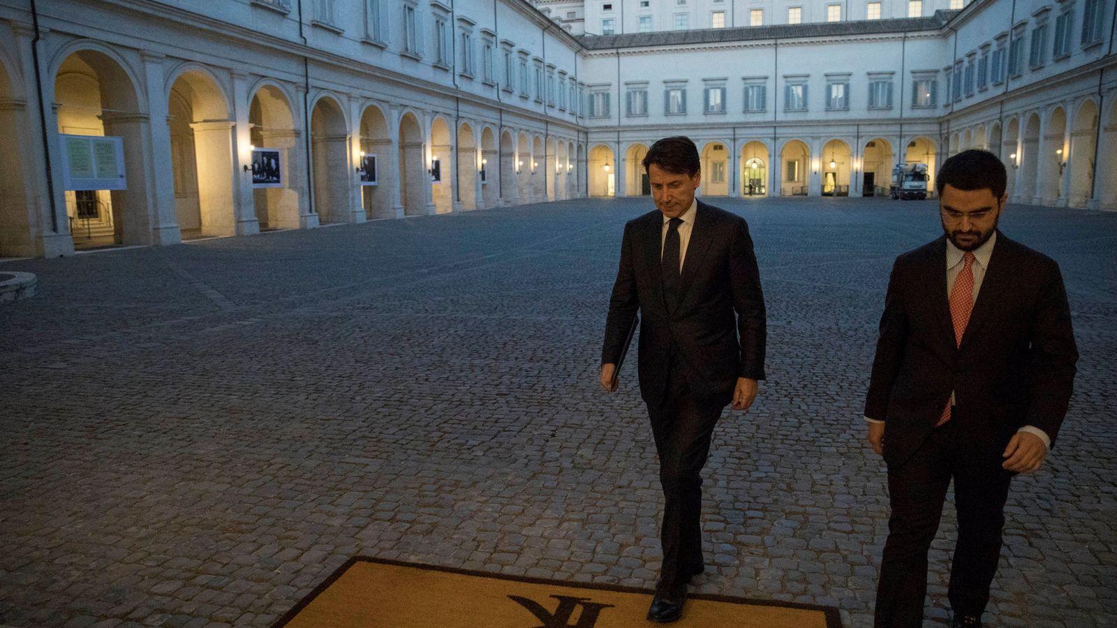 Foto: El nuevo primer ministro italiano, Giuseppe Conte, llega al Palacio del Quirinal para reunirse con el presidente Sergio Mattarella. (Reuters)