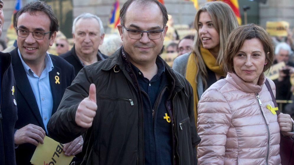 Foto: El diputado de JxCAT Jordi Turull y la expresidenta del Parlamento de Cataluña Carme Forcadell. (EFE)