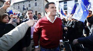 Rivera se pasará la campaña andaluza lesionado y con muletas