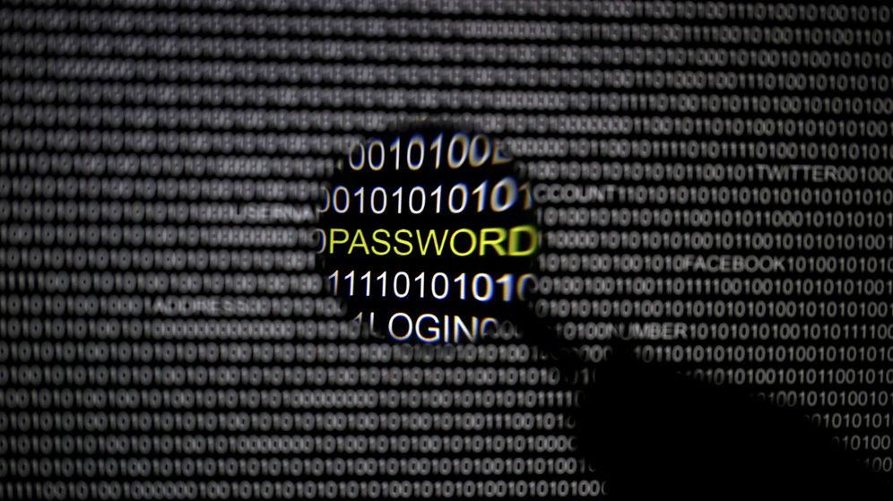 Foto: Al navegar por Internet, dejas un rastro digital de palabras y fotos que son capturadas e indexadas. (Reuters)
