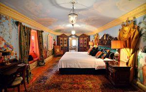 El morbo de alojarse en la mansión donde mataron a Versace
