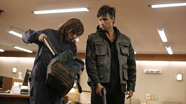 Hugo Silva y Nathalie Poza en '70 binladens'. (Sayaka Producciones)