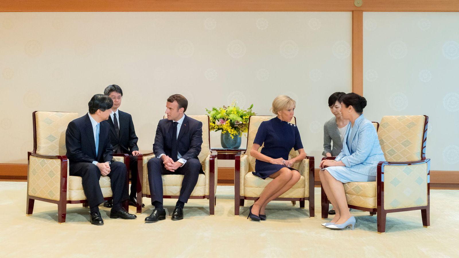 Foto: Los Macron junto a Naruhito y Masako. (Reuters)