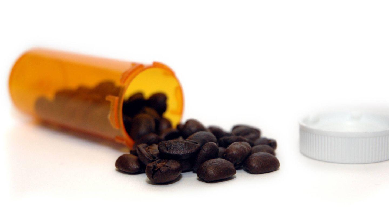 Pastillas y cafeína, un ingesta poco saludable. (iStock)