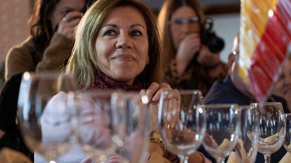 Foto: Cospedal, en la cena de Navidad del PP de Toledo. (EFE)