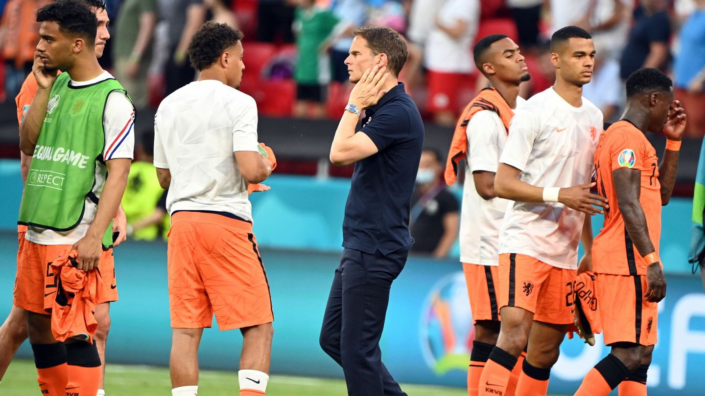 De Boer se muestra preocupado tras la eliminación. (EFE)
