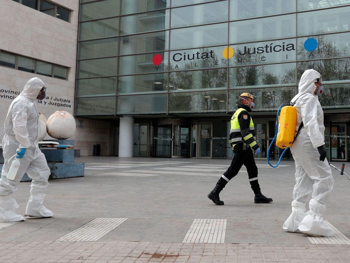 Foto: Efectivos militares en la Ciutat de la Justicia de Valencia. (EFE)