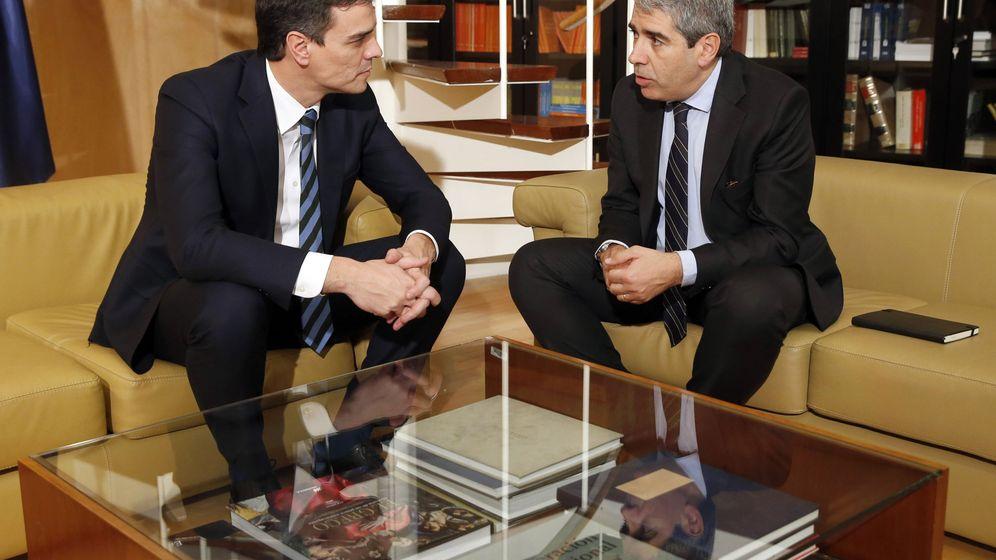 Foto: El secretario general del PSOE, Pedro Sánchez el pasado 2 de marzo en una reunión con Francesc Homs en el Congreso. (EFE)