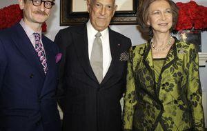 Foto: La Reina inaugura una muestra de Balenciaga